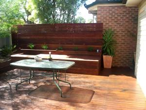 Merbau decking with privacy screen and bench seat