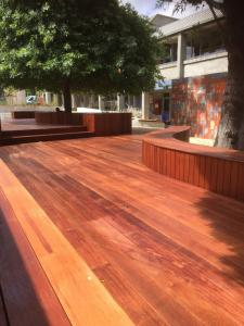 Timber decking with seats in Merbau at Mt Eliza