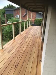 Timber verandah in stringybark at Mt Eliza